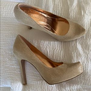 Bcbgeneration pumps, tan snake material